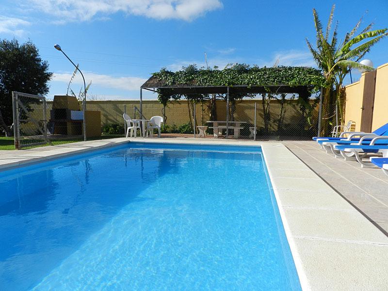 Casas disfruta conil casas rurales con piscina y jacuzzi en barrio nuevo conil de la frontera - Casas rurales con piscina privada en cadiz ...